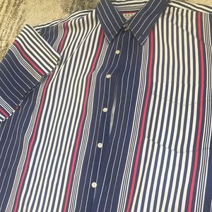 100% cotton | short sleeve casual shirt.